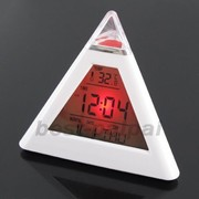 Часы пирамидка